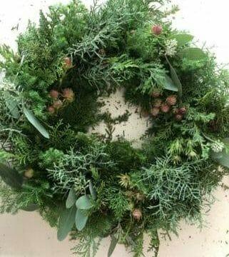 クリスマスリース 生の針葉樹
